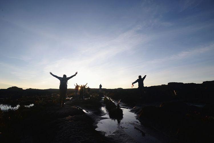 Silhouette Sunset Monte Roraima Trip Landscape Human Hand Silhouette Men Sky