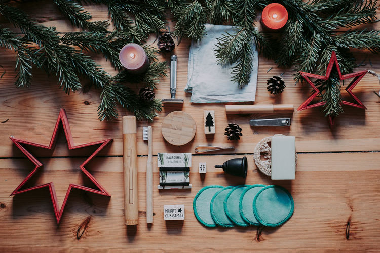 Zero Waste bathroom tools @ xmas. Give your loved ones only the best christmas tree Christmas Decoration Christmas Decoration Wood - Material No People Still Life Zero Waste Tool Bath Sustainability Zero Waste Lifestyle Sustainable Lifestyle Flatlay