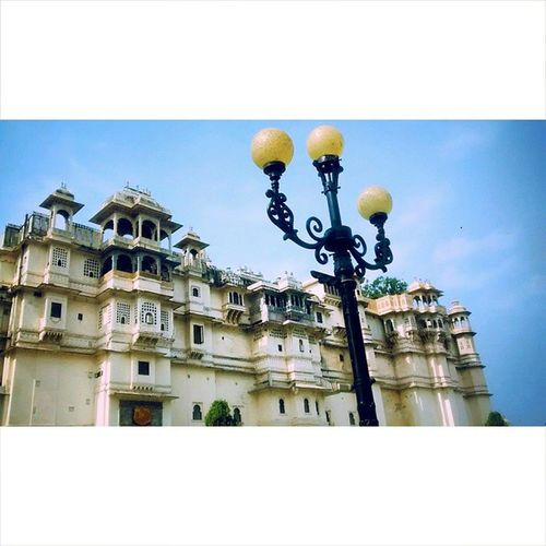 City_palace Beauty ROYALITY Fort light colors open_sky the_feel black amazing_to_be_here amazing_place udaipur ???