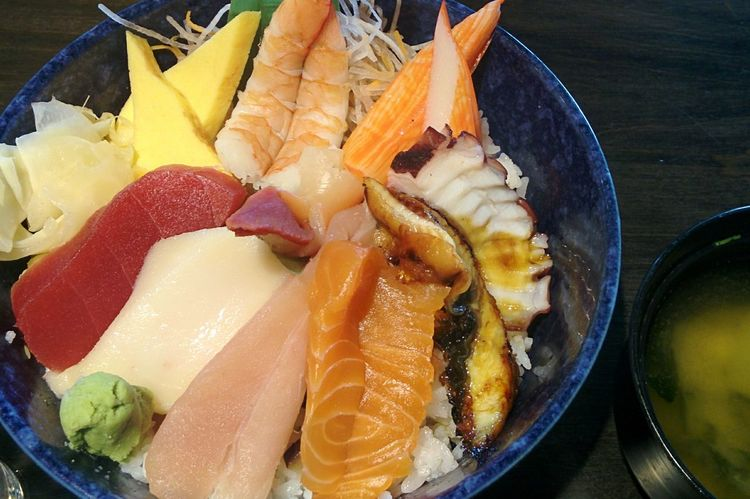 Chirashi Bowl Japanese  Food Lunch Dinner Meal Chirashi Don Rice Sashimi Bowl Sashimiricebowl Salmon Tuna Tempura EBI Egg Shrimp Unagi Misosoup Tasty Delicious Japanese Food Jtown Wasabi Taco