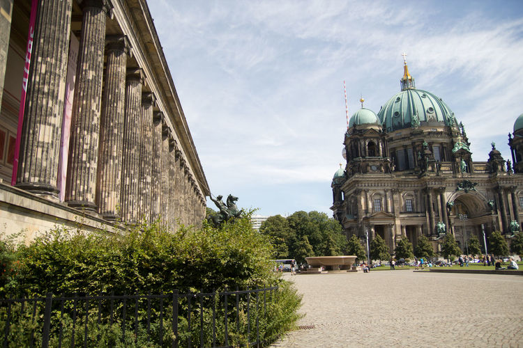 Berlin cathedral and historic building against sky