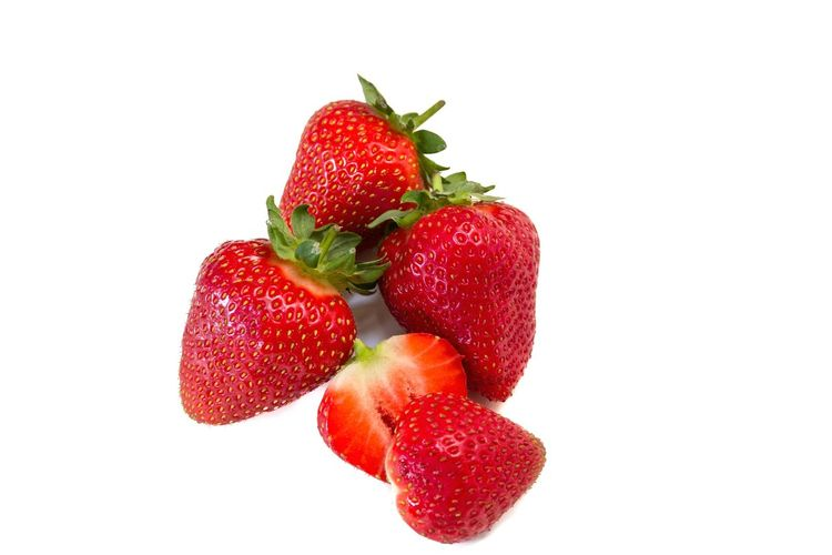 Sweet Food Berry Fruit Berry Fresh Freshness Ready-to-eat Close-up White Background No People Fruit Studio Shot Food Healthy Eating Strawberry Food And Drink Red Strawberries Halved Fruits Cut In Two Cut Fruit Halved Healthy Food Healthy