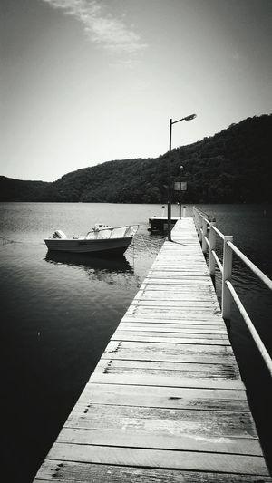 Boatlife Beadventurous Taking Photos Australia Relaxing Moments Lakeshore Journeys Stormhaspassed