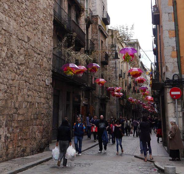 Otra mirada...y mucha gente Girona Temps De Flors 2016 Gironamenamora Gironaemociona Gironatempsdeflors Gironastreetphotography The Street Photographer - 2016 EyeEm Awards