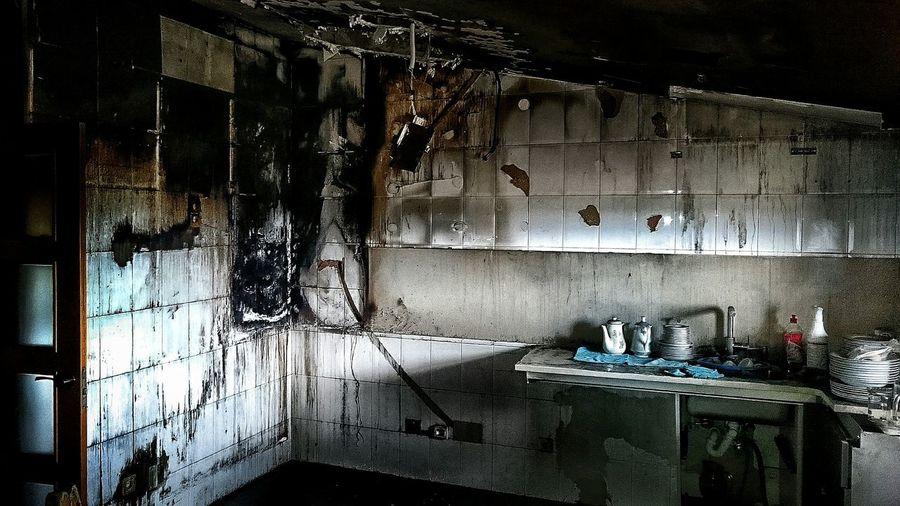 Problemas con la instalacion electrica, todo quedo en un susto🙈🙈 Fire Kitchen Siniestre Fuego Work Working Hard EyeEm Best Edits Sony Xperia Z3 Xperiaphotography