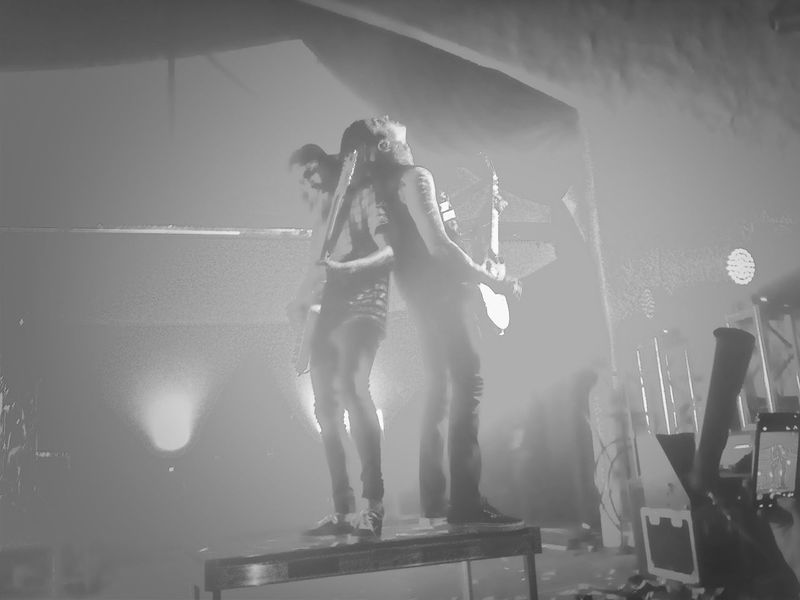 Vic and Toni at the concert yesterday <3