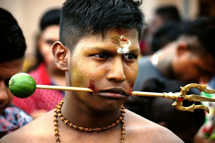 Devotees piercing their bodies and walk several kilometres in the name of self sacrifice Colors Of Carnival Thaipusam2016 Hinduism Singapore PiERCiNGS & TATTOOS Religion Festival