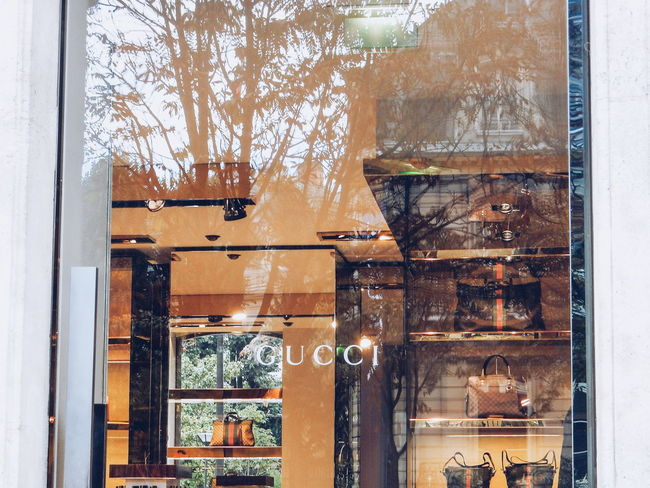 Gucci Architecture Building Exterior Business Rich Life Paris Dress Luxury Shop Window Glass - Material House Indoors  Obsolete Fashion Bags Bagsforsale Window GUCCI Fashion Photography Fashionable Luxurylife Exclusive  Luxurylifestyle  Shopping Day Shop Shopping Time