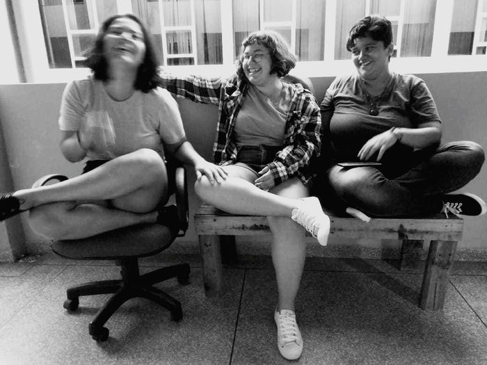 Friendship Full Length Sitting Togetherness Young Women Women Females Chair Relaxation