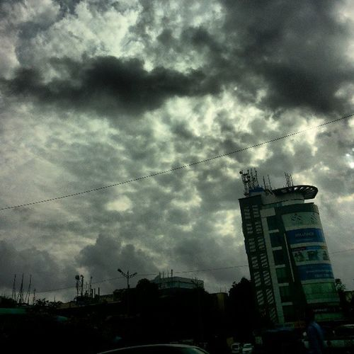 Today the clouds are hapoy..!! :) Happy Clouds Aprt Sun Car Going Home