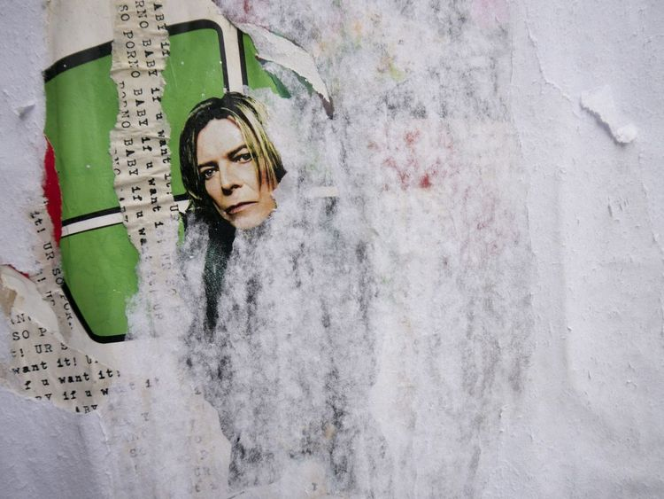 Learn & Shoot: Simplicity detail from a Streetart Collage - London fashionstreet Brick Lane David Bowie
