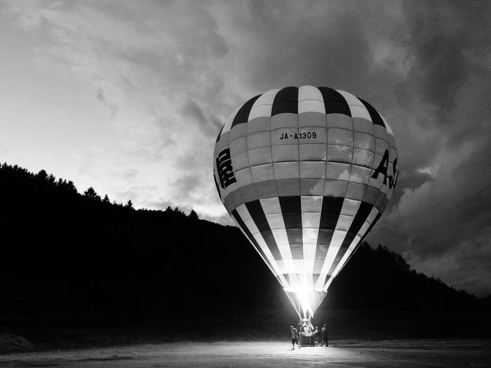 Traveling The EyeEm Facebook Cover Challenge Hotairballoon People Flying The Moment - 2015 EyeEm Awards Hot Air Balloons IPhoneography
