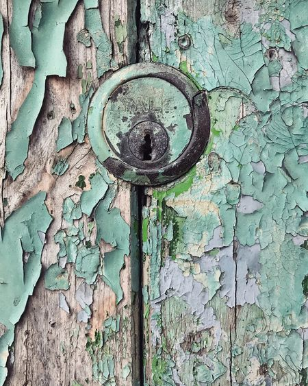 Rusty. Vintage. Rustic. Green. Peeling paint. Yale lock. Wall - Building Feature Key Locked Material Textures and Surfaces Textured  Metal Paintwork Peeling Off Close-up Old Buildings Keyhole IPhoneography Vintage Style Peeled Paint Lock Peeling Paint Paint Rustic Vintage Day Backgrounds Old Metal Close-up Decline Deterioration Outdoors Run-down Built Structure