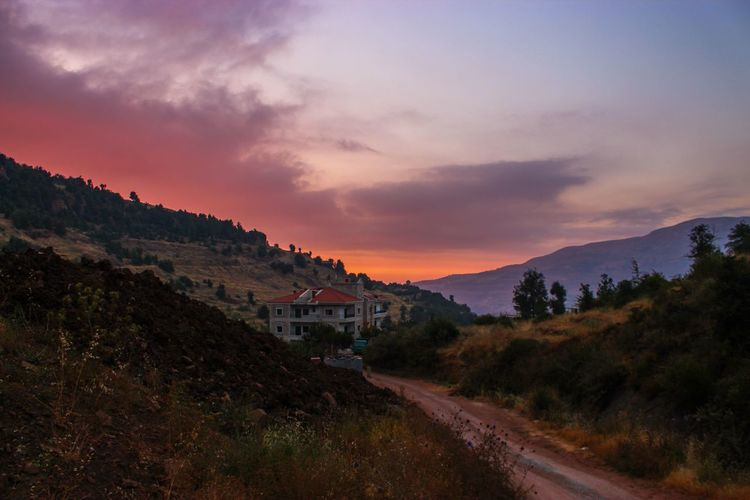 Hiking with this view 😍 Lebanon Liban Hasroun Sunset Love LiveLoveLebanon Hiking Mountains Colors First Eyeem Photo