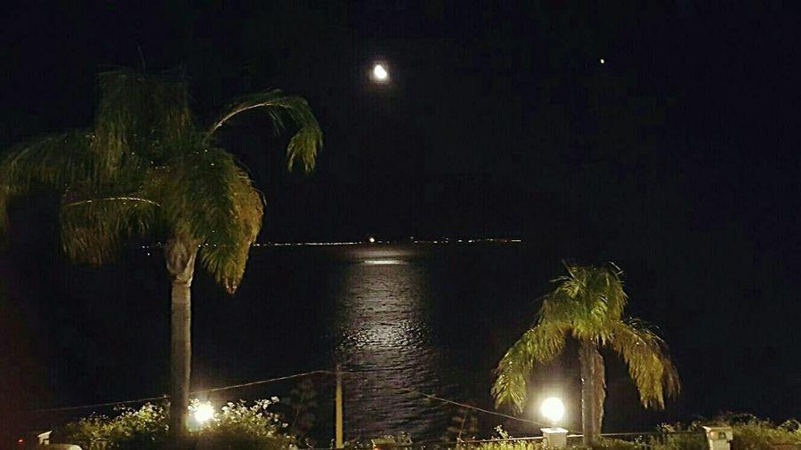 Serata Luna Riflesso Rifletting Mare Sea Ionio Moon Discoteque Night Illuminated Calabria all Orizzonte Sicilia Sicily, Italy Summer Estate 2017 Amazing View