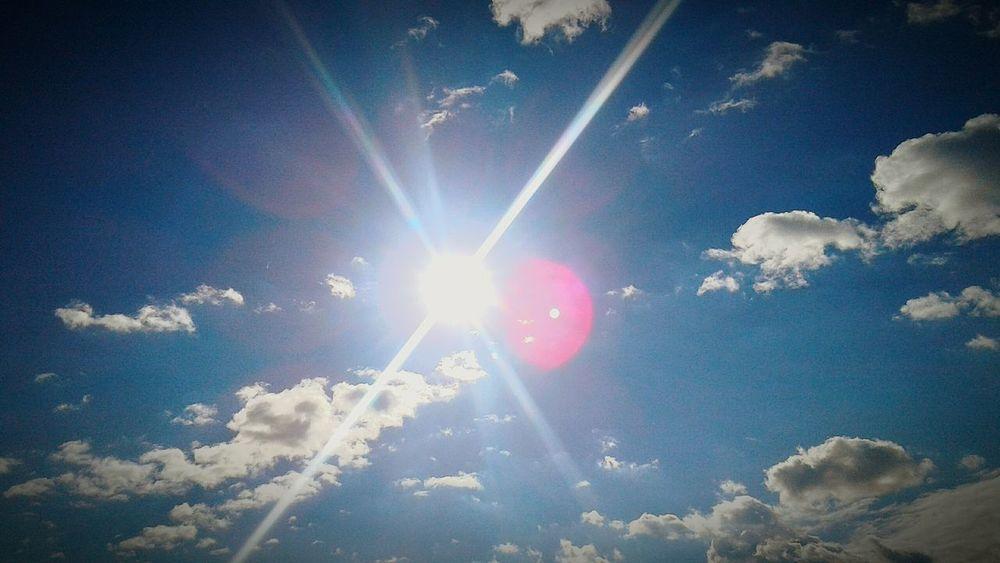 Sky Sun Sunshine Warmth Of The Sun Sunbeams EyeEm Vision