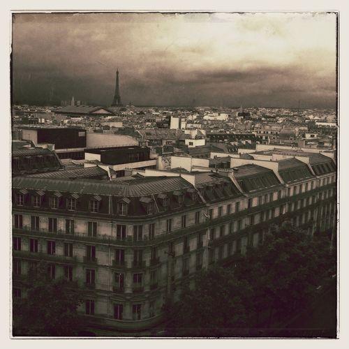 Sur les toits de Paris IPhoneography Mobileart