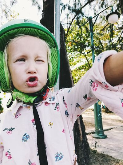 Child Childhood Real People One Person Cute Clothing Day Females Leisure Activity Lifestyles Innocence Front View Toddler  Casual Clothing Baby Women Hat Babyhood Plant Outdoors Floral Pattern