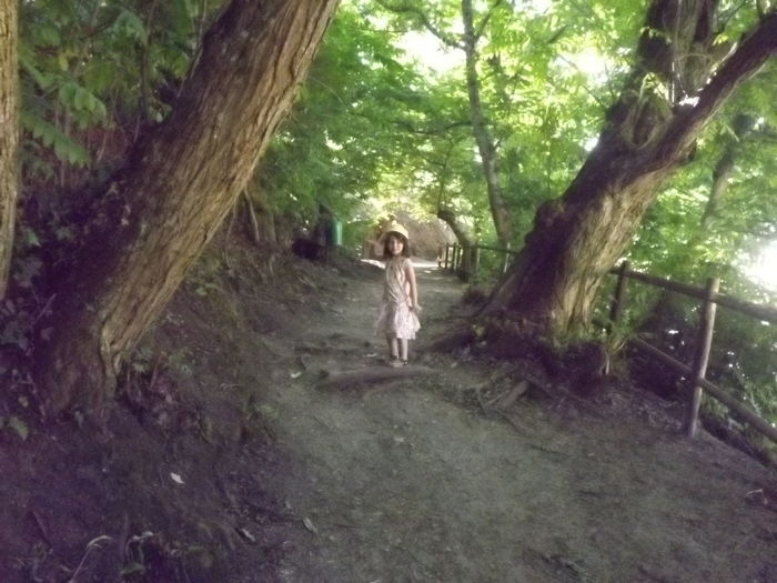 Casual Clothing Day Leisure Activity Lifestyles Nature Outdoors Tranquil Scene Tranquility Tree Tree Trunk Walking Child Beauty In Nature Beautiful No Filter, No Edit, Just Photography