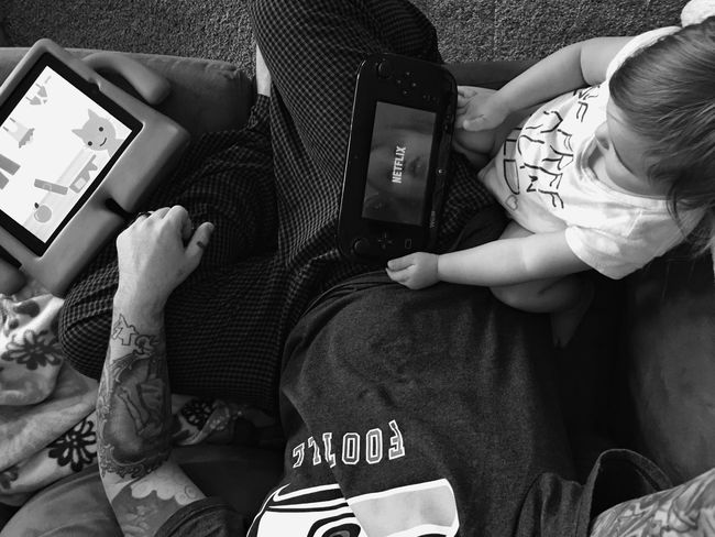 When you have a fever it's important to have multiple devices and devices for your devices while they load. Meanwhile that super not annoying at all Chica is squawking in surround sound. People Moments Sick Technology Blackandwhite Monochrome