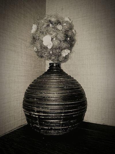 ваза пол сам сделала черный серый Indoors  No People Close-up Day