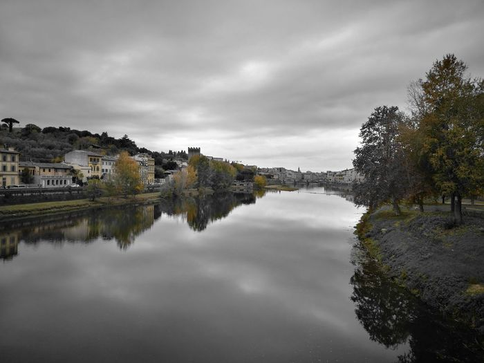 Florence Italy Fiume Arno Autumn Colors
