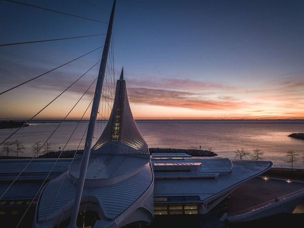 Wisconsin Life Wisconsin Architecture MKE 🏙 Milwaukee Drone  Dronephotography Milwaukeesbest Sunrise_sunsets_aroundworld Mke_illgrammers Calatrava Mke Waterscape Horizon Horizon Over Water