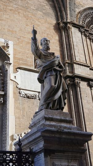Saint Paul Apostle Statue. Cathedral of Palermo. Palermo, Sicily, Italy. Shadow Light And Shadow Archs Palermo Cathedral Cathedral Sicily Palermo Cathedral Palermo EyeEm Best Shots Photographer Photo Italy EyeEm Selects Photography Sony A6000 Sonyalpha City Sculpture Statue History Architectural Column Human Representation Male Likeness Sky Architecture Bas Relief Carving - Craft Product Carving Representing Sculpted Stone Material Fine Art Statue