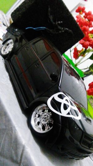 Miniature Toyota Hillux LowCar Fixa Paredao