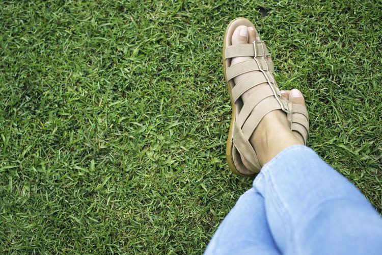 woman's feet in