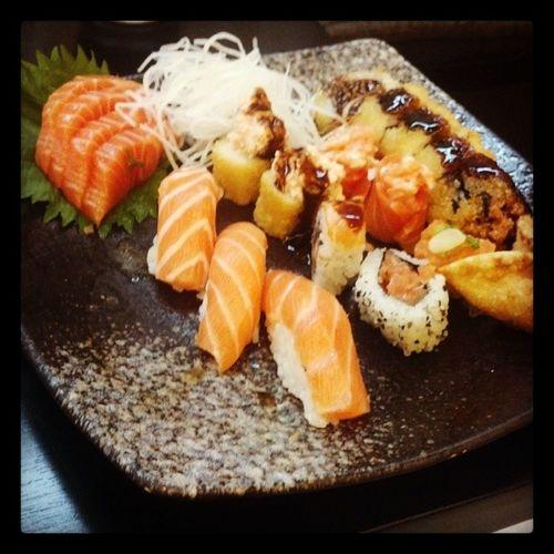 Delicinha, só pq hj e sexta! Japanesefood Comidajaponesa Japa SEXTA friday Instafood instapic Instagram instagood