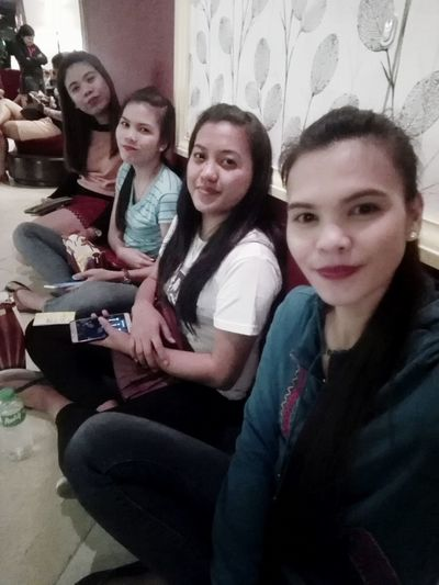 * Waiting DatewithGirls Movietime!