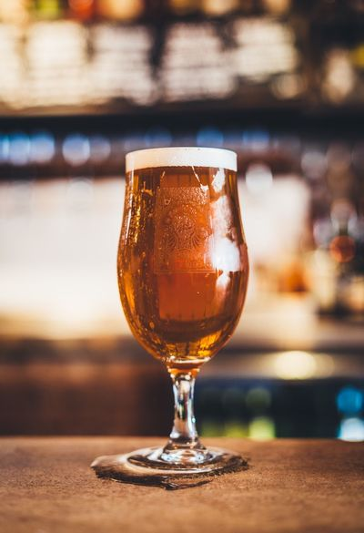 Beer Pint Of Beer Beverage Ale IPA Glass Glass Of Beer Stem Bar Drinks Drink Condensation Chilled Beers