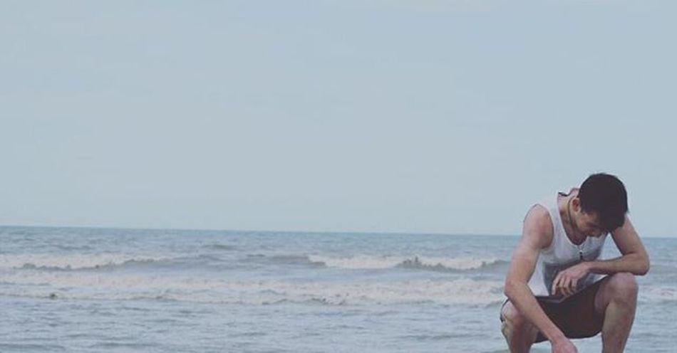 """""""A veces sentimos que lo que hacemos es tan solo una gota en el mar, pero el mar seria mucho menos si le faltara una gota."""" Santateresita"""