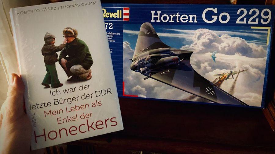 Horten kapott, Honecker kapott