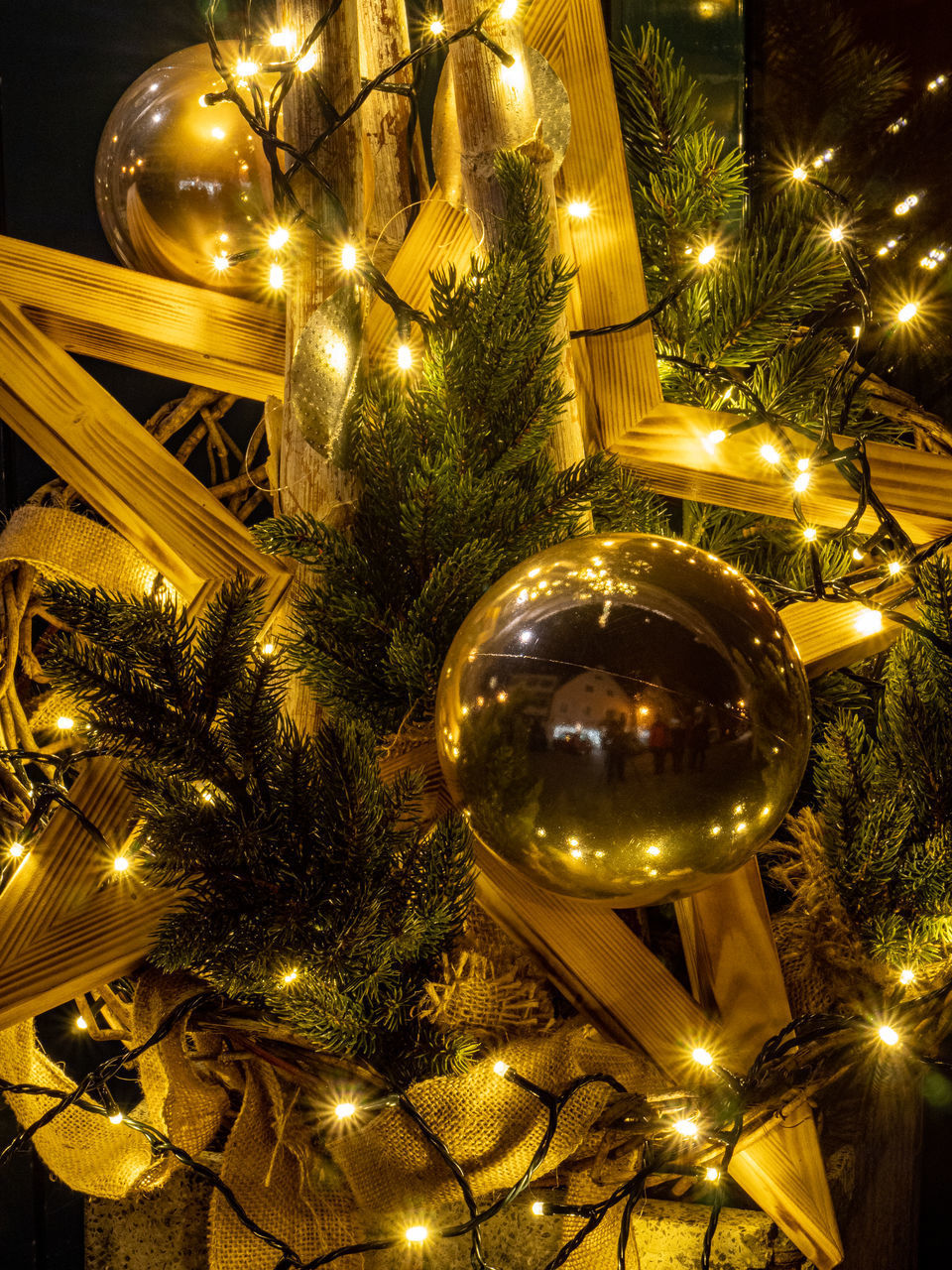 illuminated, tree, christmas, decoration, christmas decoration, celebration, holiday, christmas tree, christmas lights, lighting equipment, christmas ornament, night, no people, reflection, celebration event, plant, sphere, holiday - event, hanging, light