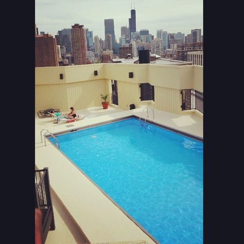 Poolside Willistower Chicago Searstower