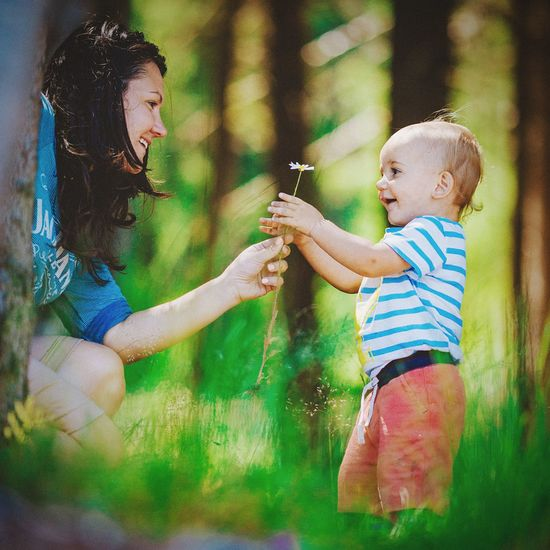 Family time with some great memories from the past summer! Ohhh yeah, it was amazing! Followme Follow Follow4follow Eye4photography  Family Mother Children Capture The Moment Happy Love www.pandevonium.com INEEDNATURE Adventure Buddies