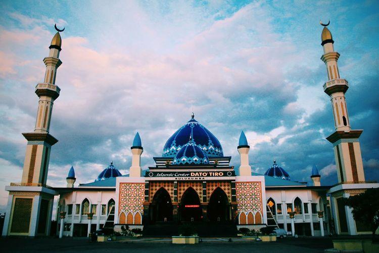 mosque architecture fun Pray Moslims Muslim❤️ Islam Mosque Sky Photographer Landscape Landscape_photography Landscape_lovers Norasism Loveworld Religion First Eyeem Photo LoveeyeEm First Eyeem Photo