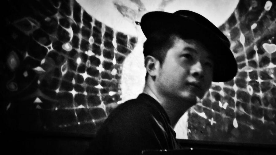 2018/6/15 【古箏小妹 X 愛德華:無限之戰】音樂演奏會速寫 於一文錢大學咖啡館 Friendship Friend Taiwan Bw Bw_lover BW_photography B&w Photo B&w Bw Photography B&w Photography Bwphotography Streetphotography Portrait Headshot EyeEmNewHere