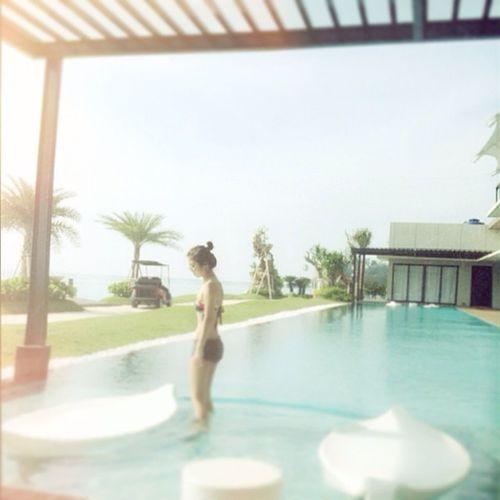 Latepost Pool Hisland Private sunny