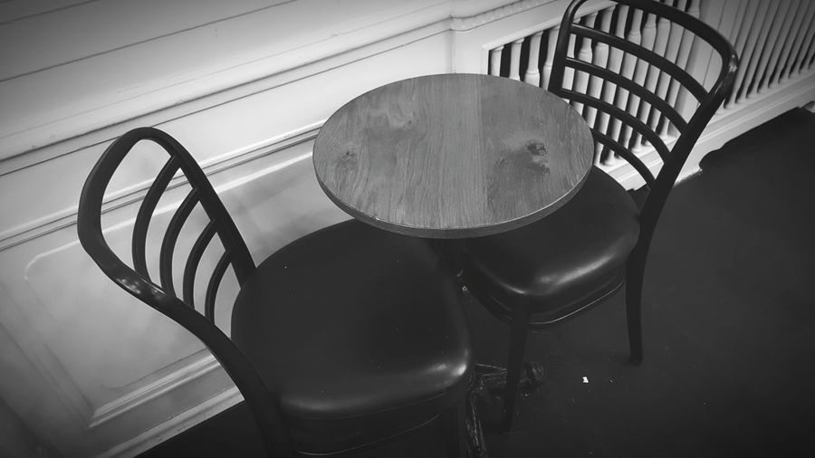 Indoors  No People Day Waiting Waiting Area Sitting Chairs Seats Wood - Material Table Indoor Design Black And White Art Photography Waiting For You Card Design Details Of My Life Focus On Foreground Coffee Time Indoor Design The Street Photographer - 2017 EyeEm Awards