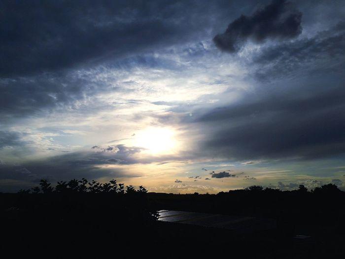 Sunset Evening Nature Clouds Colorful Sky Colors Colorful Blue Sun Beautiful Astronomy Sunset Silhouette Dramatic Sky Dusk Dark Sky Landscape Cloud - Sky Sky Only Moody Sky Cumulus Cloud