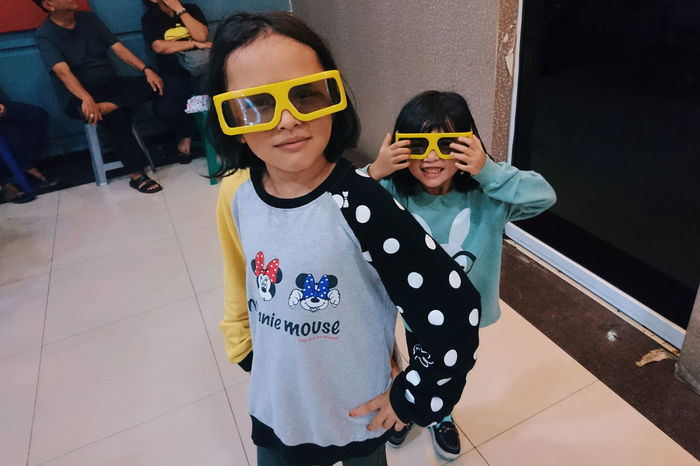 kompak Sunglasses Togetherness Two People People High Angle View Adult Casual Clothing Child Looking At Camera Standing Portrait Real People Childhood Friendship