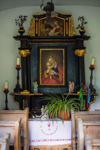 EyeEm Selects Human Representation Religion Spirituality Place Of Worship Sculpture Statue Altar Chapel Church Austria Pray Plant Eye4photography  Nikond750 Nikon Full Frame Indoors  Day No People Male Likeness Female Likeness Gold Believe Baby