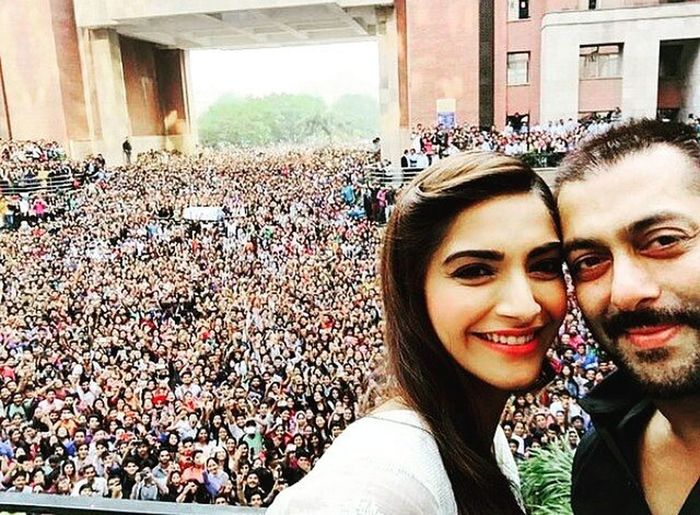 Salmankhan Amity Hblock Selfie