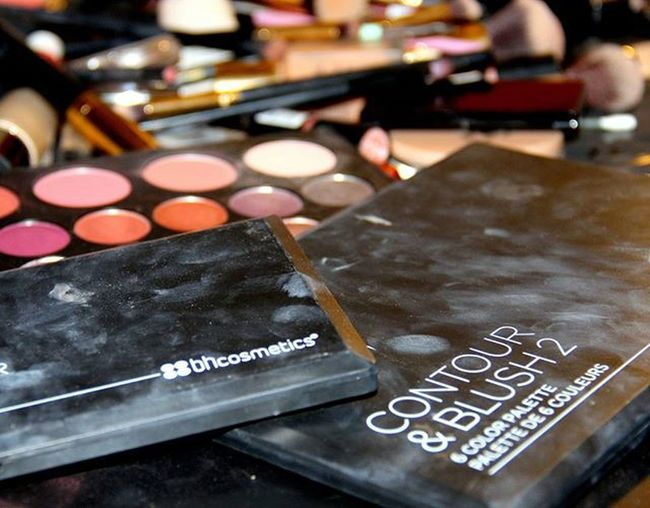 Makeup Consiler Colorful Colors Makyaj Friends Fotografia Fotografie Photography Photographer Selfie Selca Sajin 사진 Shashin 写真 Schminke Hobbyphotography Hobbyphotographer Bhcosmetics Contour