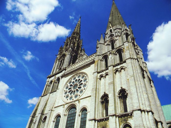 Enjoying my view of the gothic style Chartres Cathedral... France🇫🇷 European Summer✈️📷 World Traveler✈️ Feel The Journey