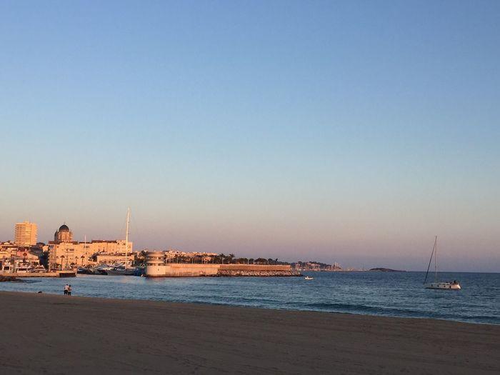 Au Bord De Mer Mer Mediterranée Côte D'Azur Saint Raphael Méditerranée Bord De Mer Au Bord De L'eau Sea Mer Boat Water Beauty In Nature Ville City Beach