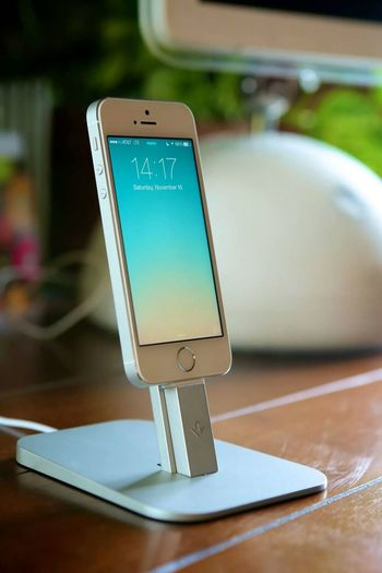Apple® | Apple Inc | IPhone 5s ThinkDifferente Apple IPhone Iphone5s Product Device Design